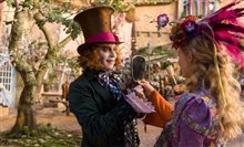 Alice Through the Looking Glass Photo 4