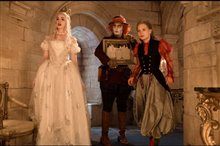 Alice Through the Looking Glass Photo 25