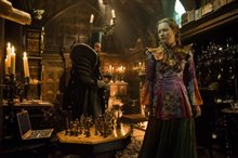 Alice Through the Looking Glass Photo 27
