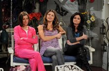 Hot in Cleveland: Season Two Photo 2