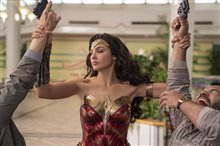 Wonder Woman 1984 Photo 12
