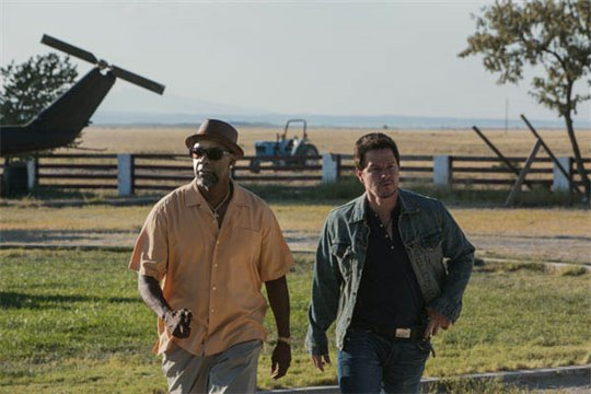 2 Guns Photo 1 - Large