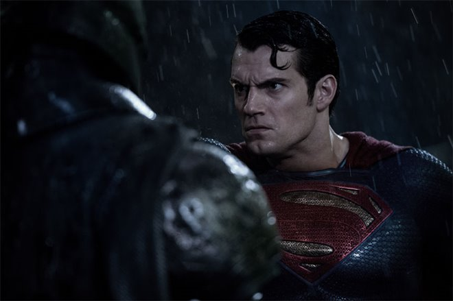 Batman v Superman: Dawn of Justice Photo 31 - Large