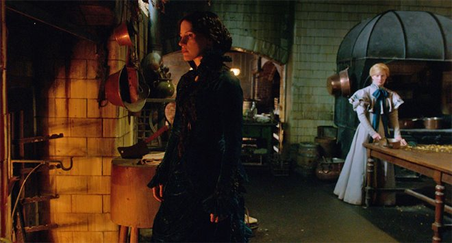 Crimson Peak Photo 12 - Large