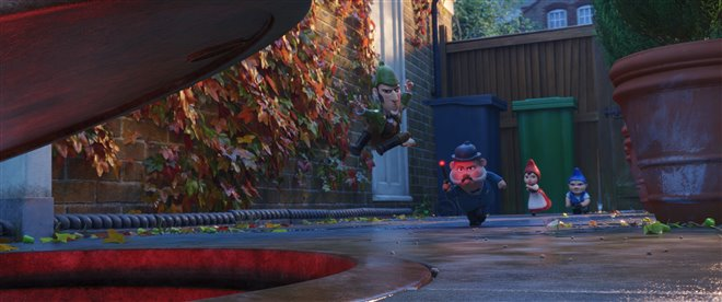Sherlock Gnomes Photo 14 - Large