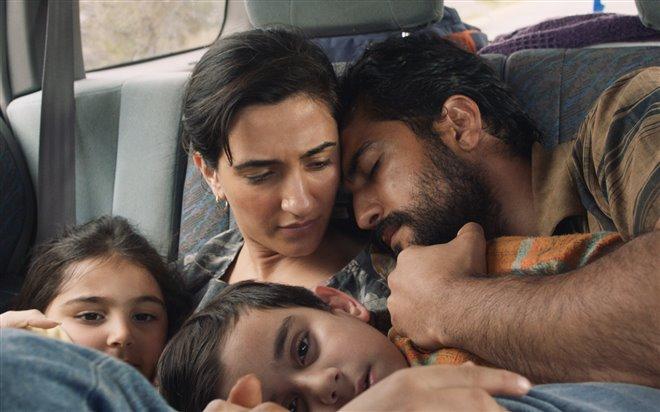 Stateless (Netflix) Photo 10 - Large