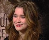 Alice Englert photo