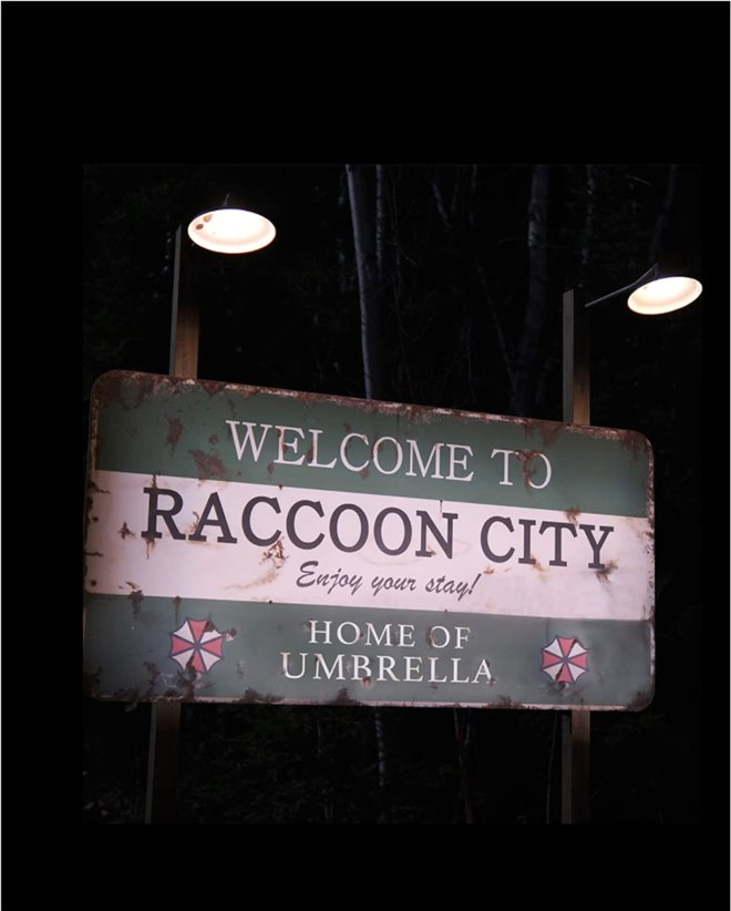 Resident Evil: Welcome to Raccoon City Large Poster