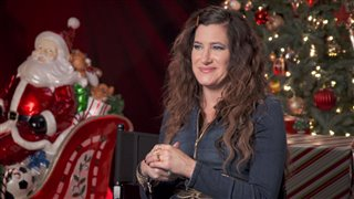 kathryn hahn interview a bad moms christmas video thumbnail